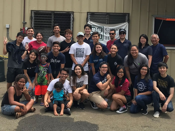 Students and alumni volunteer to help Hawai'i's homeless